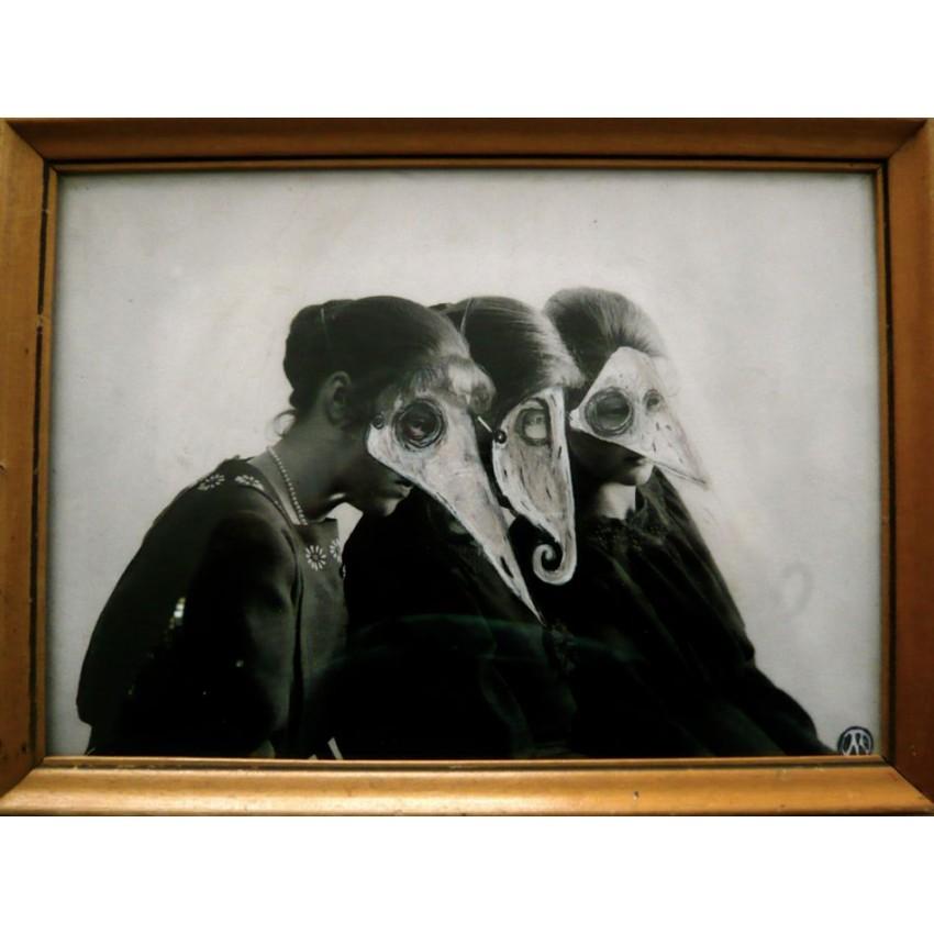 MaThiLdE LeMoNNieR - Trois femmes masquées