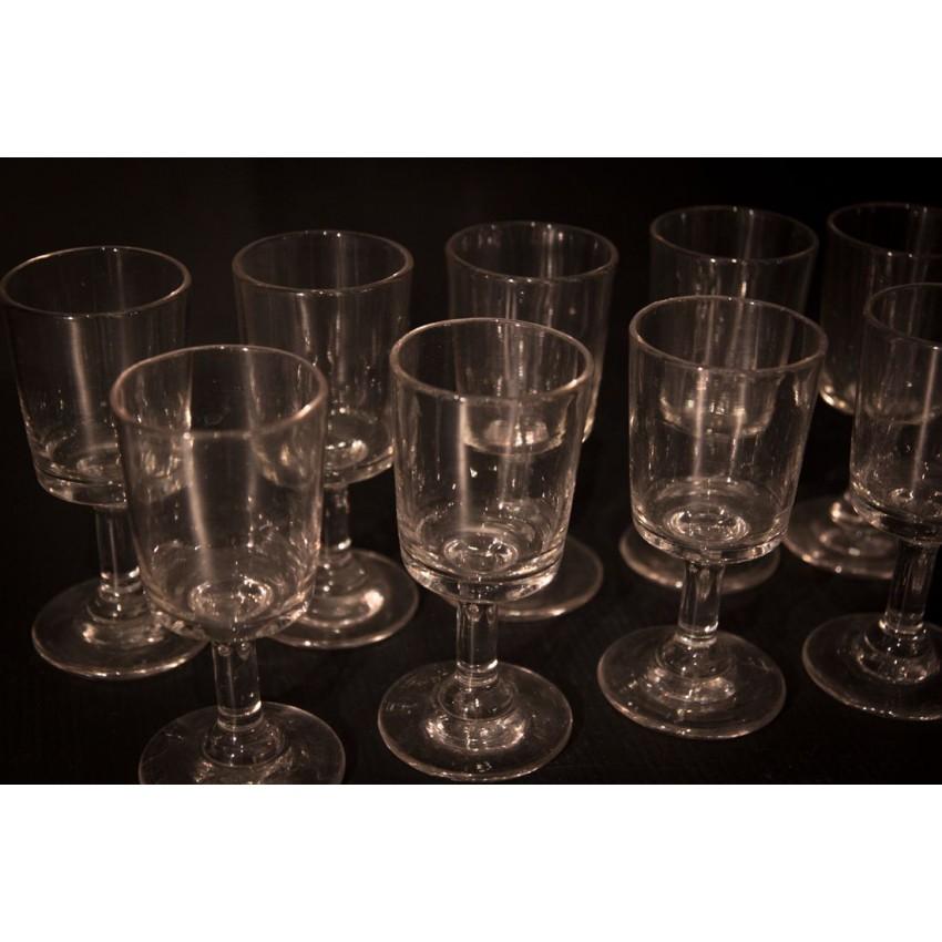 Lot de verres à vin