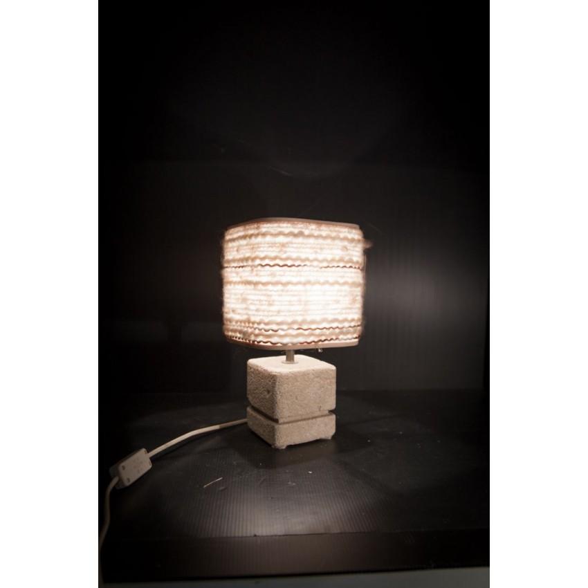 Lampe de table en pierre